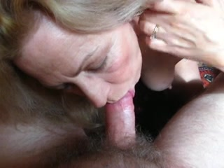 amateur granny gives in for sex